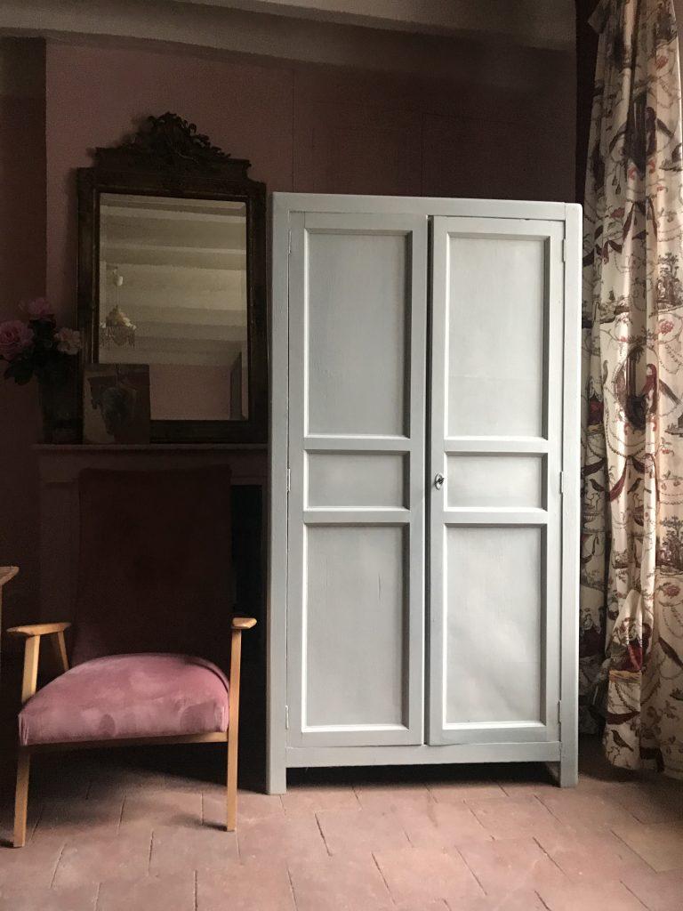 L'armoire parisienne chez la brocante bucolique