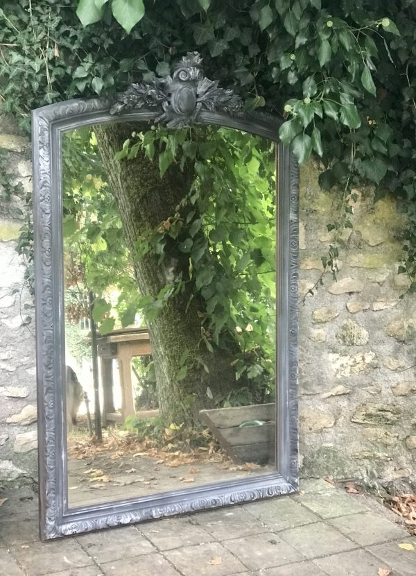Grand miroir ancien patiné